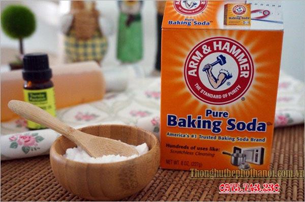 Thông tắc bồn rửa chén bát bằng baking soda + giấm ăn